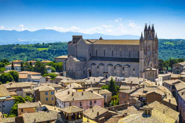 Orvieto is an ancient town located on a tuff rock outcrop located 300 meters above the splendid Val di Paglia. The city is mainly known for its Duomo