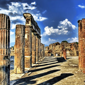 The city of Pompei has a particular charm, given that it has been made immortal by a catastrophic event such as the eruption of Vesuvius.