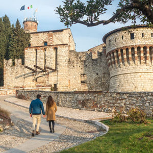 The castle of Brescia observes the city and with its 75,000 square meters it is the second largest fortified complex in Europe.